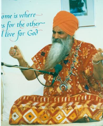 Yogi Bhajan teaching at Women's Camp, 1988